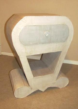 Projet personnel: un meuble en carton - Portrait Emilie - Formation Décoration EDAA